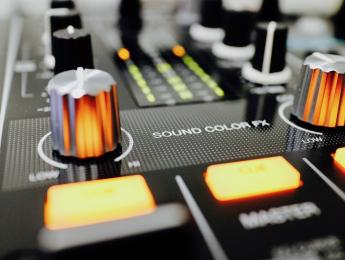 Pioneer DJM-450, review del mixer digital de dos canales