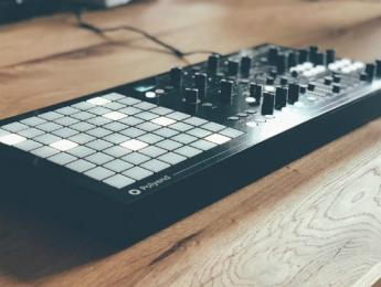 Dreadbox convierte Medusa en un sintetizador con secuenciador Polyend integrado