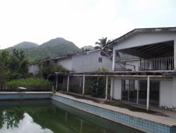 En las ruinas de los estudios AIR de George Martin en la isla de Montserrat