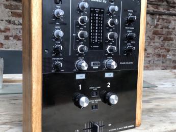 Existe una DJM-250MK2 rotary, y la ha hecho un hispasónico