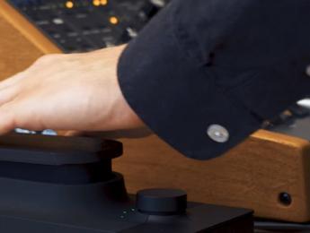E-Touché SE, un expresivo control ahora en versión sólo USB
