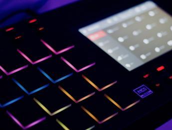 Review de Akai MPC Live, el todo en uno para producción de electrónica