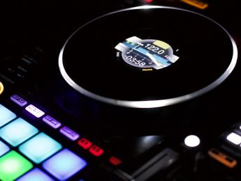 Review de Pioneer DDJ-1000, una cabina Nexus en forma de controlador DJ