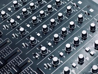 Retro Review de Ecler AC-6, el mixer analógico español que pudo ser leyenda