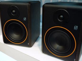 Studimon, los primeros monitores de Palmer llegan junto al controlador Monicon XL