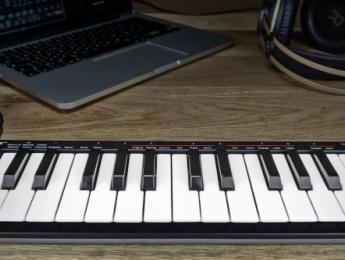 Nektar SE25 y SE49, teclados controladores compactos con integración al DAW