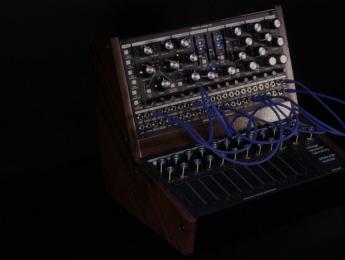 Pittsburgh Modular Voltage Research Laboratory, una nueva criatura semi-modular a la vista