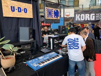 UDO Super 6, llega el sintetizador binaural