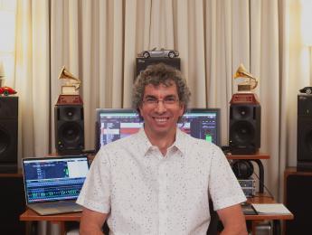 Entrevista con Darío Peñaloza, ganador de dos Latin Grammy