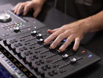 Avid S1 y S4, nuevas mesas de control para Pro Tools y DAWs