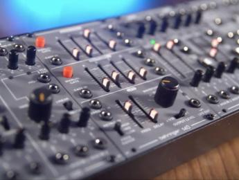 Behringer anuncia System 100 Eurorack, el clon del modular Roland System 100M