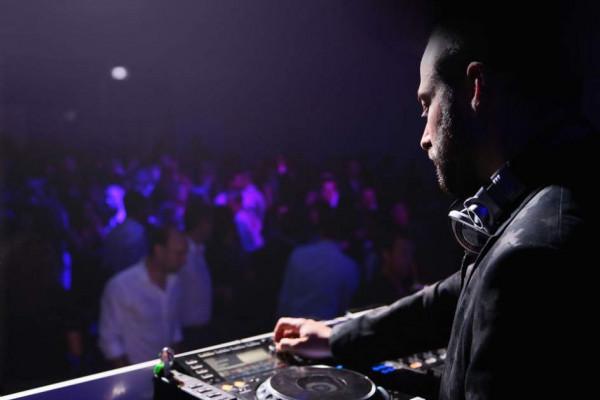 Tutorial de iniciación DJ: equipamiento y técnicas