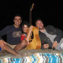 Noche de playa vacía y canciones llenas 2