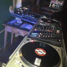 ...bendita DJM-400