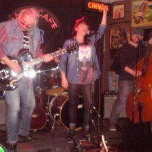 Gladys Rocking and Tres Gatos en el Jazz Cafe.Cordoba