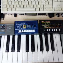 Home-studio: primer plano de Korg Monotron Delay y Korg Monotron Duo