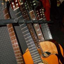 Mas guitarras