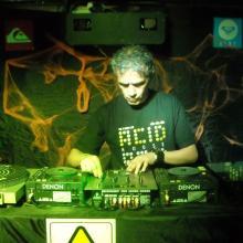 DJ FREDDIE LOELO