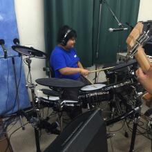 El nuevo baterista?!!!