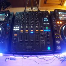 CDJ 2000 NX2 & DJM 900 NX2