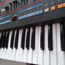 teclado juno 106 roland