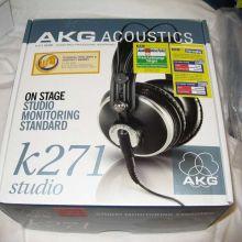 Auriculares AKG K271 en su caja XD