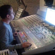 Surround studio