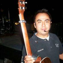 yo con la guitarra