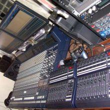 Eurodesk MX9000 24 ch console, 8 bus + 16 autm faders Behringer
