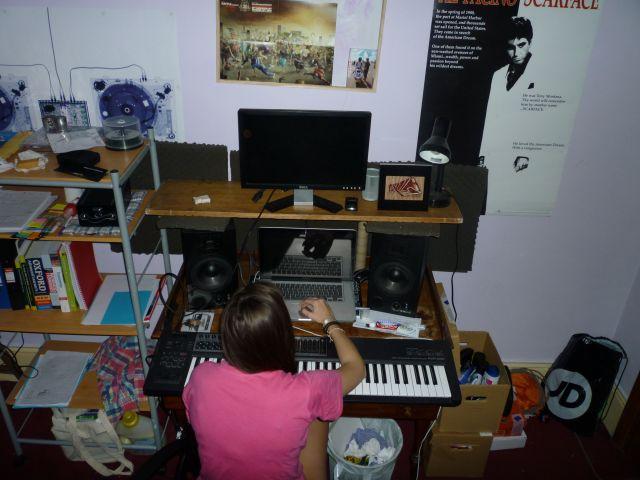 Mi pequeñin y cutre home studio