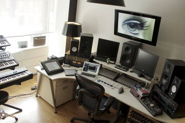 Antipop 2012 - Control