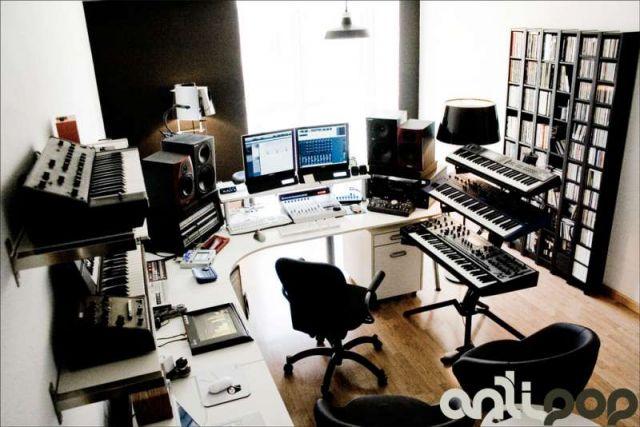 Antipop 2007 - Sala de mezcla y programación 1