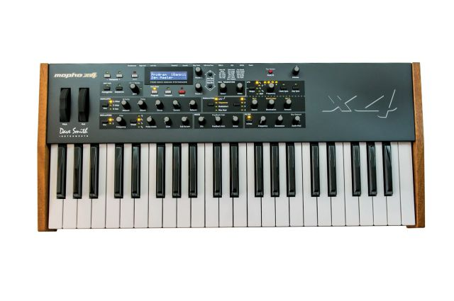 Dave Smith Instruments DSI Mopho X4