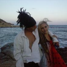 Madame Rasta & PekmeN (Ella es Humo)2014