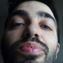 Tírame un beso