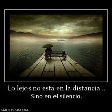 En la distancia
