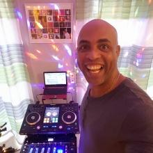 DJ Myke Lora in the House