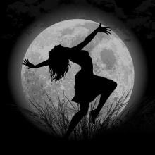 Cuando Baila La Luna Y el Sol Descansa
