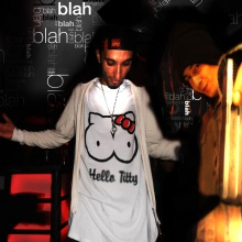 Extra- Blah-(Natty bidyman & pekmeN )-2013